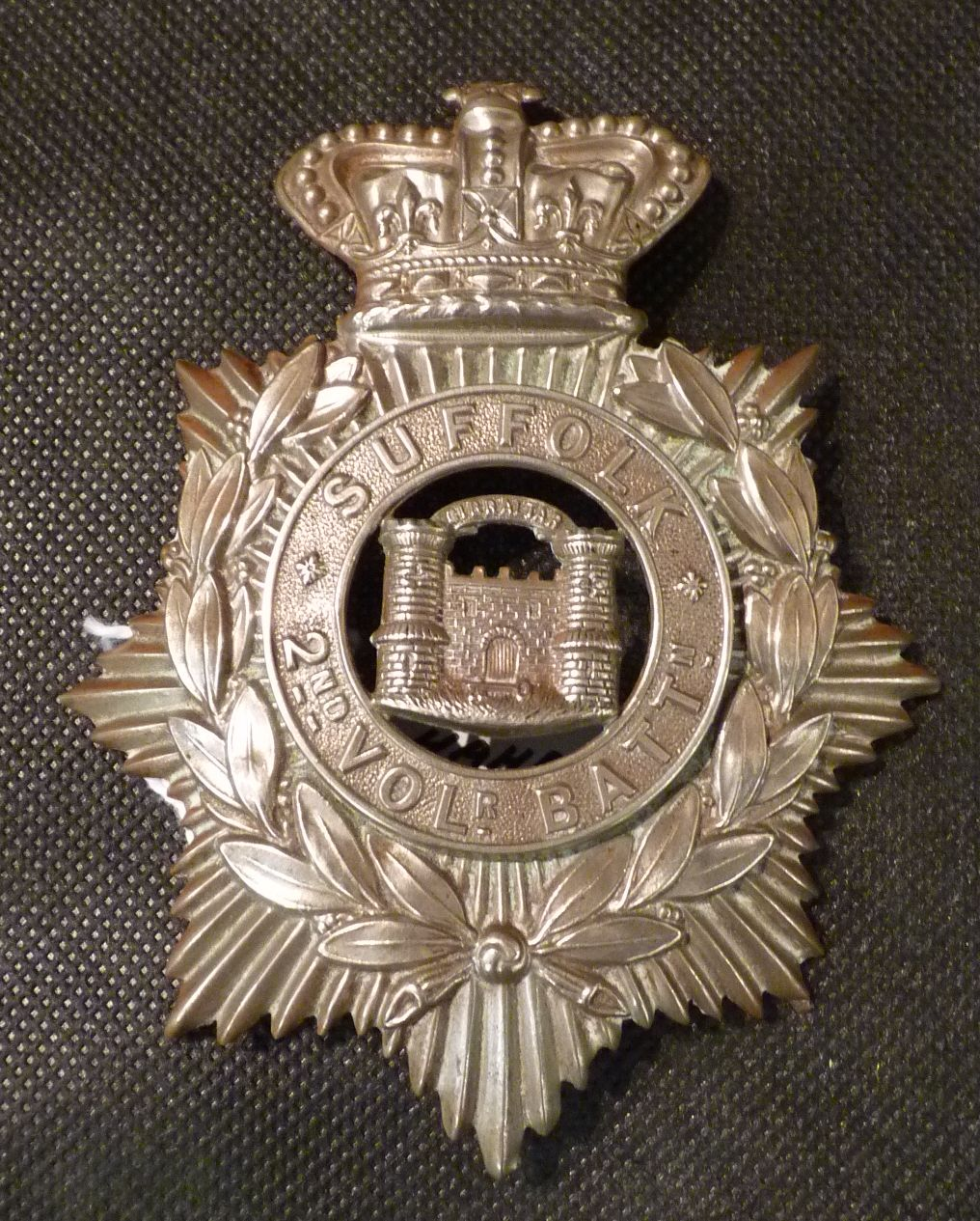 Cap badge of 2nd Volunteer Battalion of the Suffolk Regiment